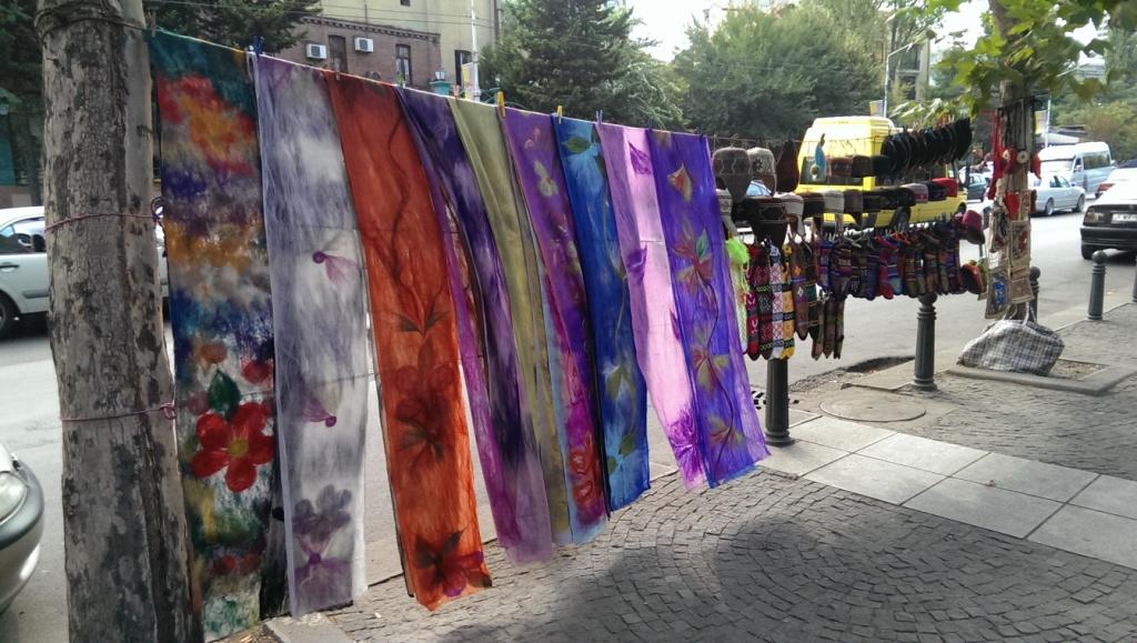 pchli targ w Tbilisi - Suchy most