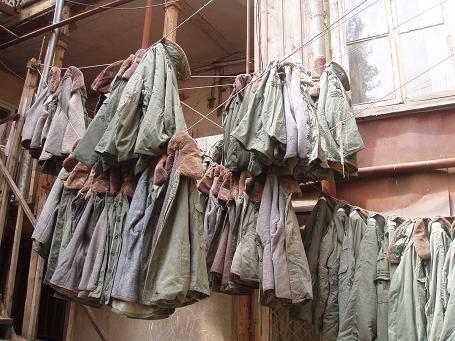 cztery tysiące kurtek wojskowych z demobilu ofiarowanych przez Radosława Sikorskiego