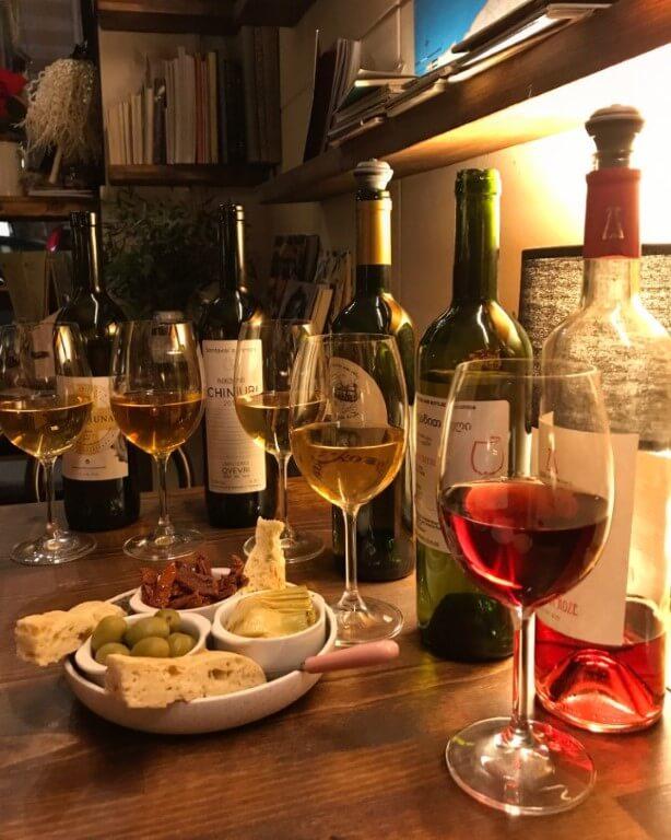 Najlepsze wine bary w Tbilisi Gruzja wino Kaukaz Kuchnia gruzinska