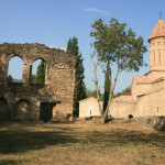 trzy cerkwie – Khvtaeba, Kvelatsminda i Sameba