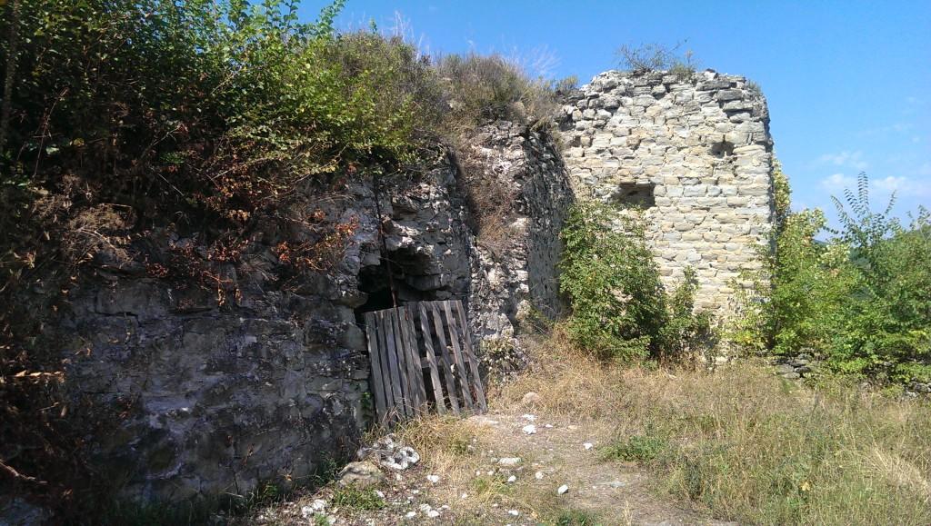 ruiny udżarmy