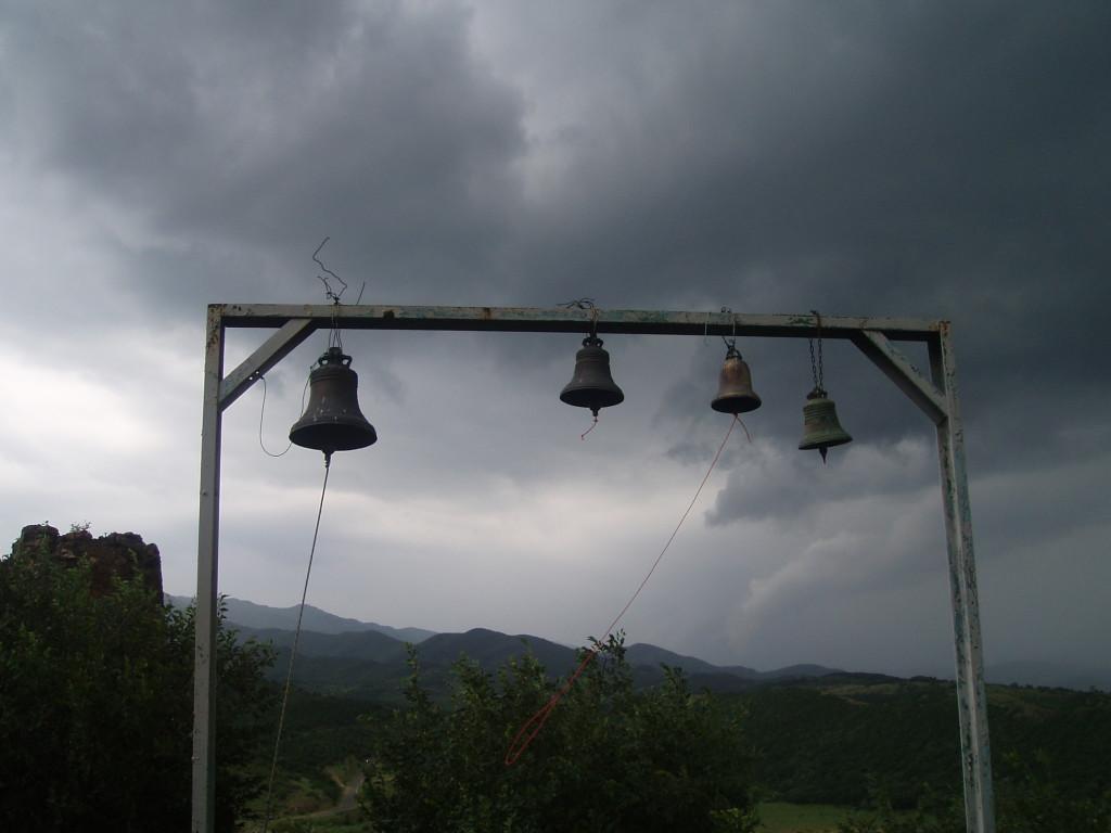 Dzwony w cerkwi Dżwari