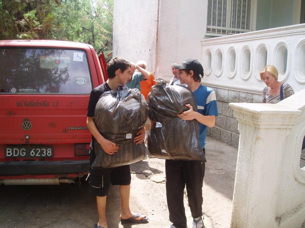 Przekazanie darów w szpitalu chorób płucnych w Tbilisi, lipiec 2007 roku.
