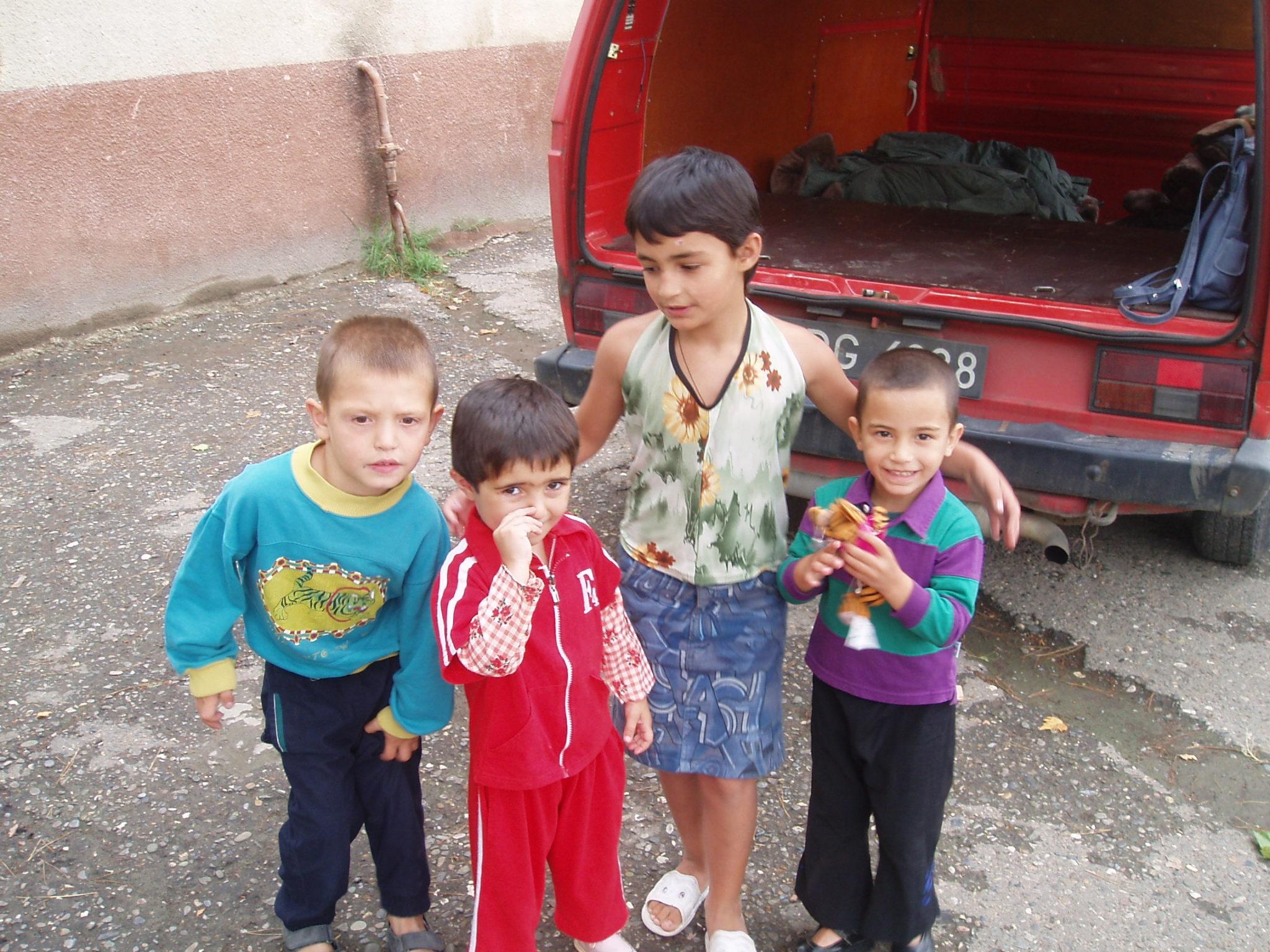 wychowankowie domu dziecka w Rustawi