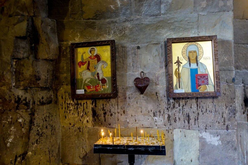 Ikony w cerkwi Dzwari w Gruzji