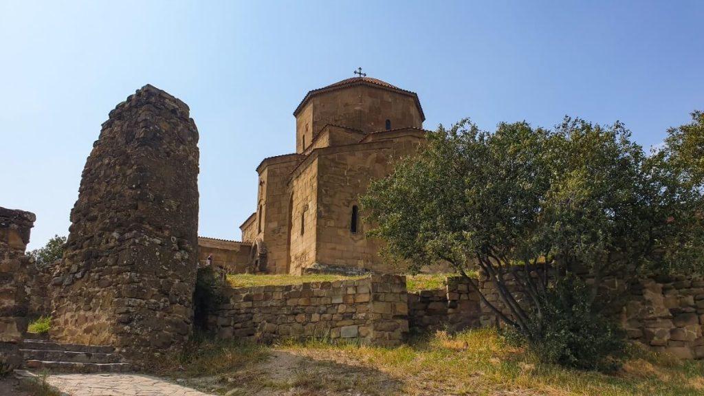Dzwari monastyr krzyza cerkiew Gruzja zwiedzanie Gruzji