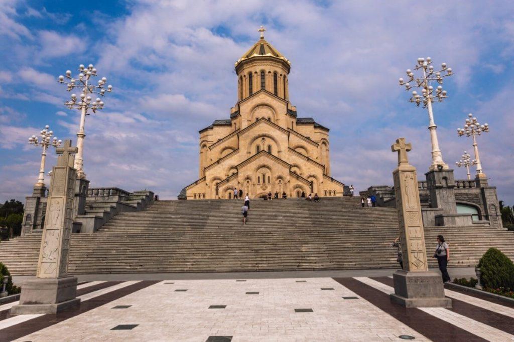 cminda sameba cerkiew tbilisi gruzja