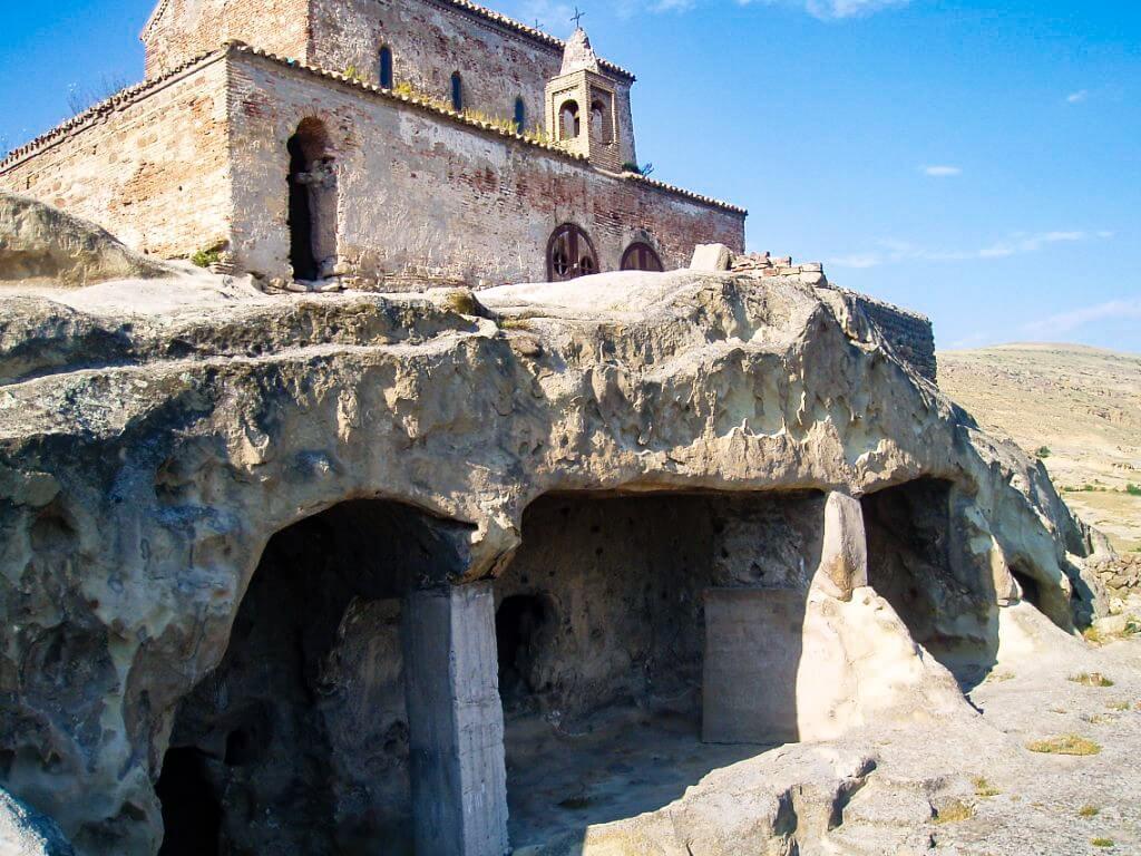 Uplisciche najstarsze miasto skalne w Gruzji cerkiew i sale