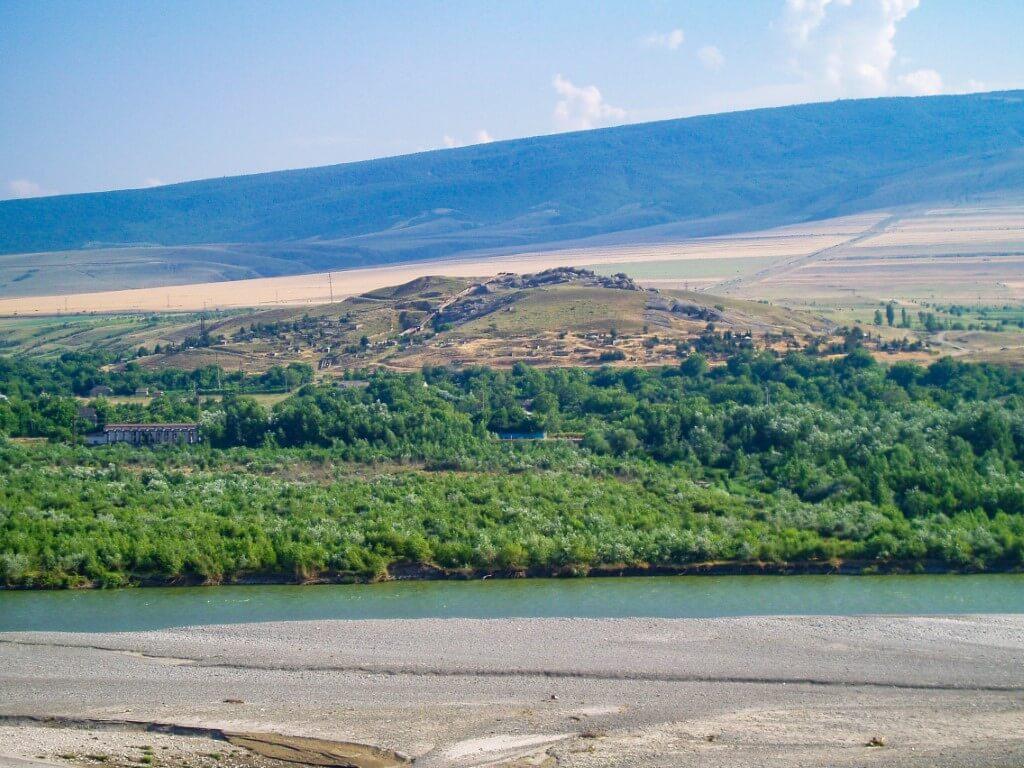 Uplisciche najstarsze miasto skalne w Gruzji rzeka Mtkwari