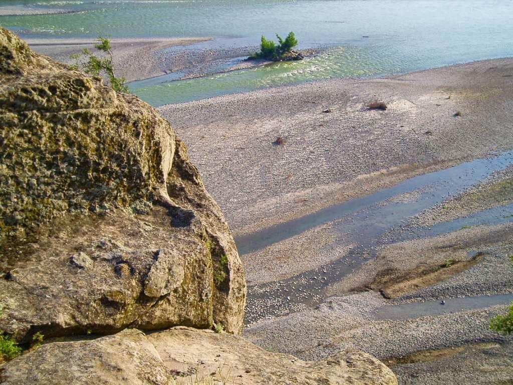 Uplisciche najstarsze miasto skalne w Gruzji starożytność rzeka Mtkwari