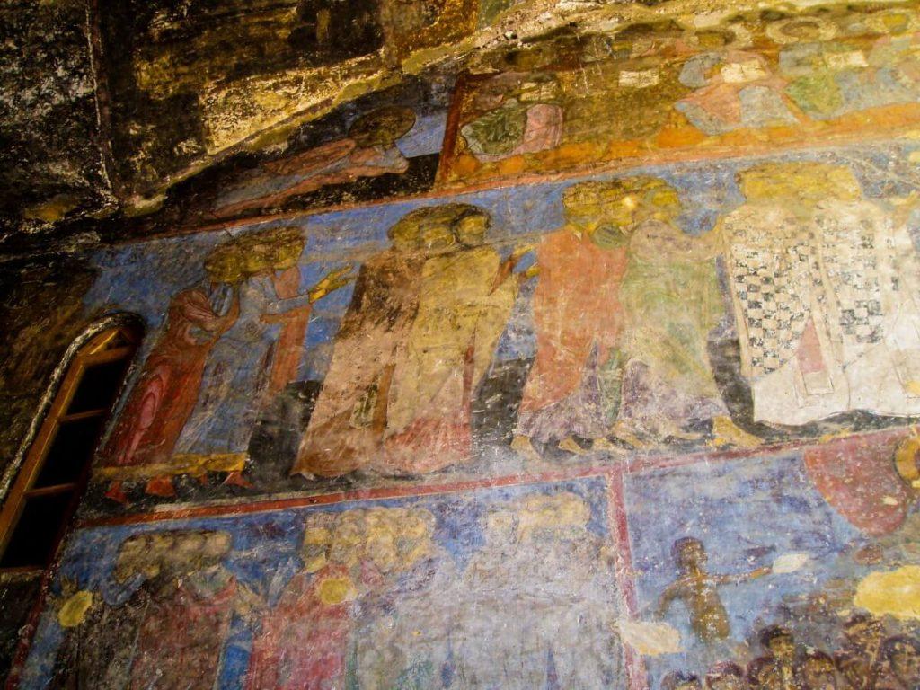 Wardzia skalne miasto Gruzja Kaukaz cerkiew freski