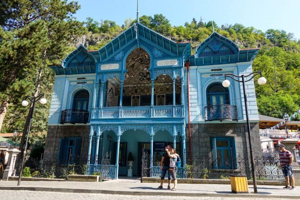 borjomi hotel turysci zwiedzanie gruzja kaukaz bordżomi