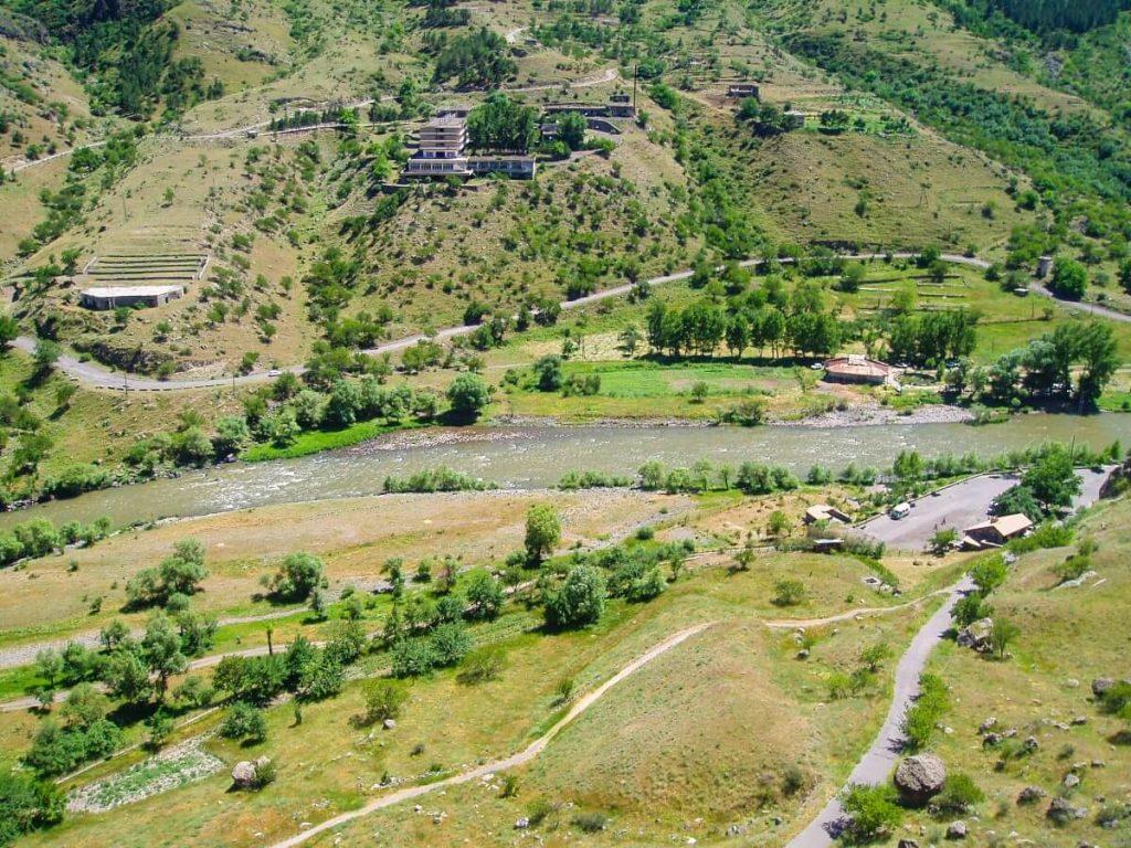 Wardzia skalne miasto widok krajobraz Maly Kaukaz