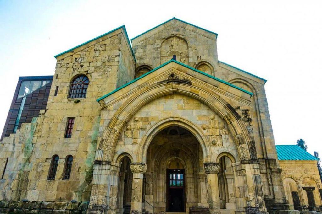 Katedra Bagrati w Kutaisi rekonstrukcja cerkwi