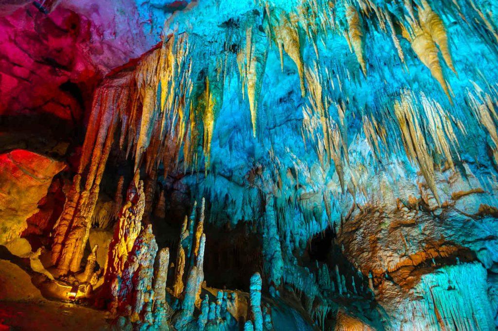 Jaskinia Prometeusza Gruzja Kutaisi Imeretia Kaukaz Skarb Gruzji stalaktyty