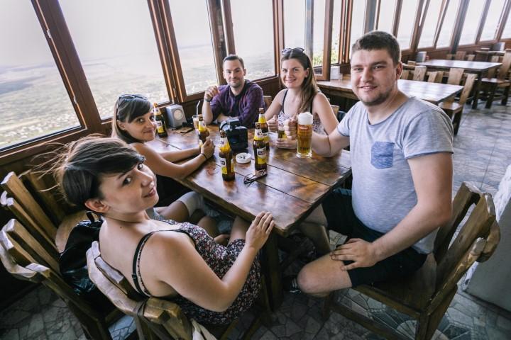 Ekipa i turyści w Sighnaghi