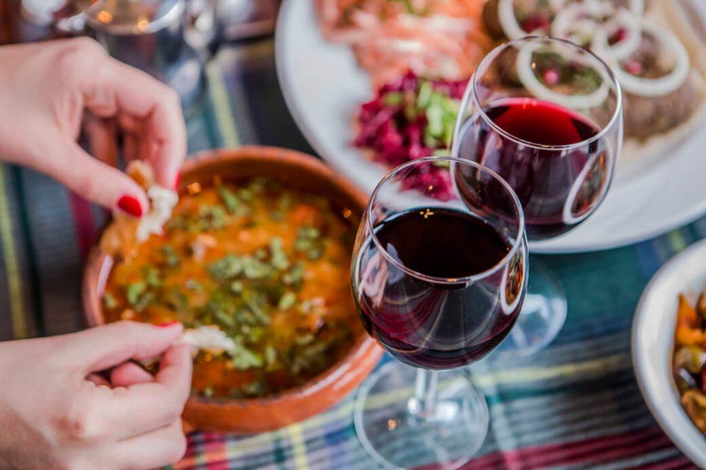nodari wine gruzinskie czerwone wino saperavi
