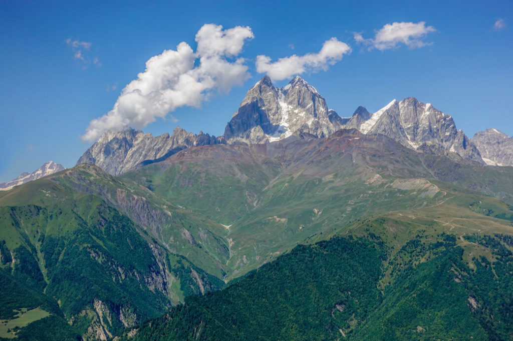 mestia-gruzja-trekking