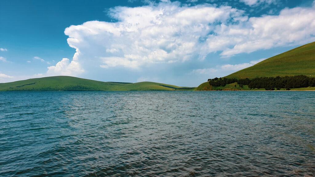 Jezioro Tabatskuri Samcche-Dżawachetia Gruzja