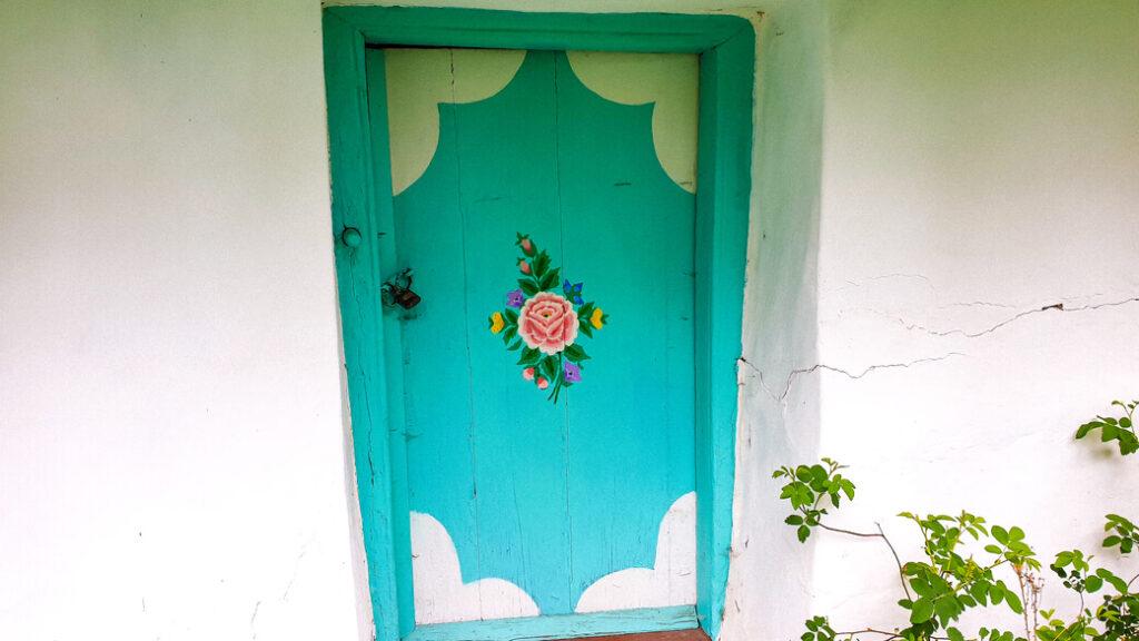 gorelovka duchoborcy gruzja chata malowana