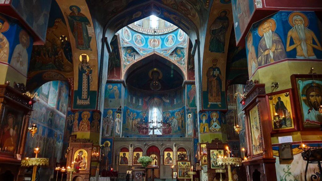 cerkiew gruzja tbilisi wnetrze kopula freski betlemi