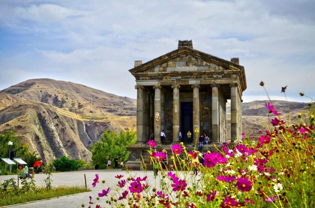 Armenia – informacje praktyczne. Ceny, dokumenty, dojazd, zdrowie, kuchnia, kultura