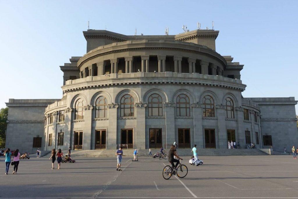 Armenia Erywan Yerevan opera centrum miasto
