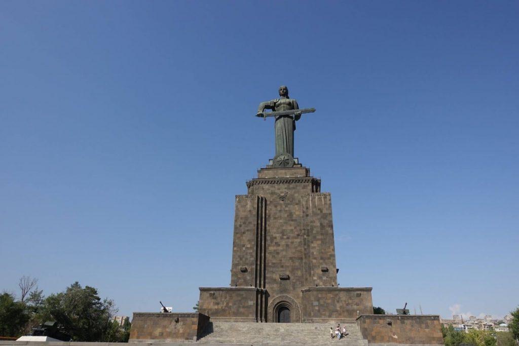 pomnik matka armenia erywan