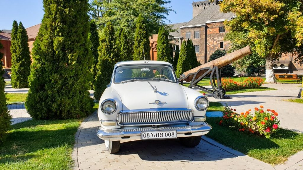 armenia fabryka koniaku noy samochod