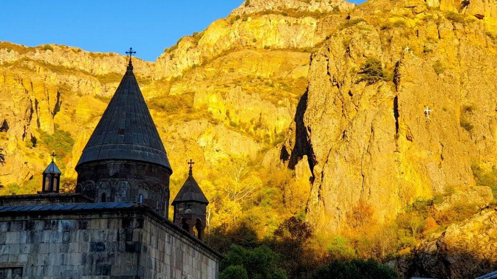 geghard klasztor armenia cerkiew