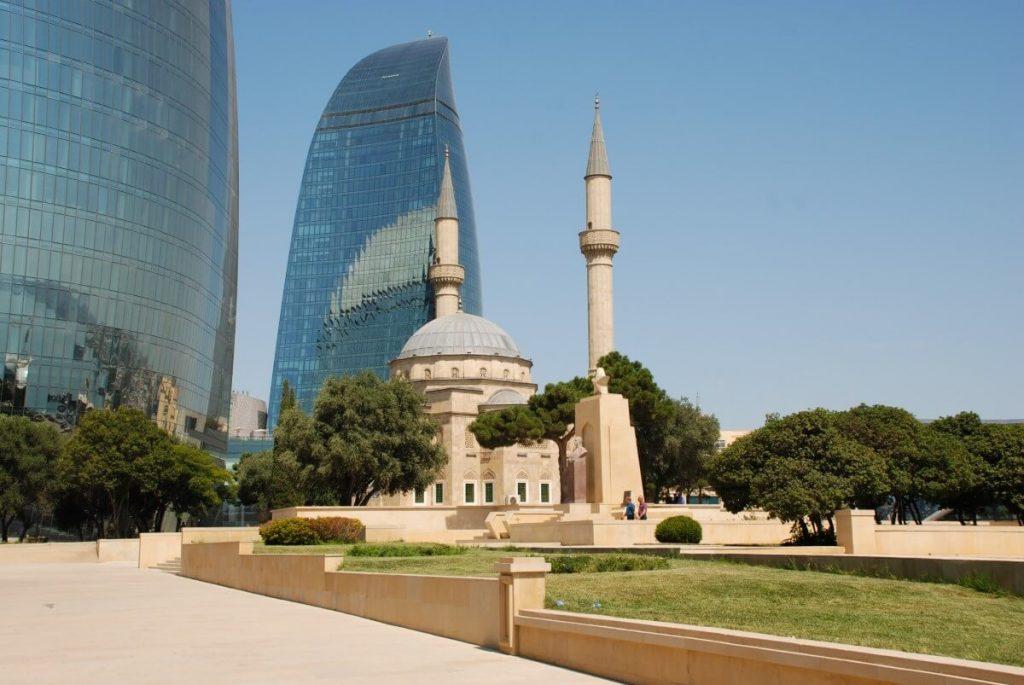 Meczet Ogniste Wieze Baku Azerbejdzan