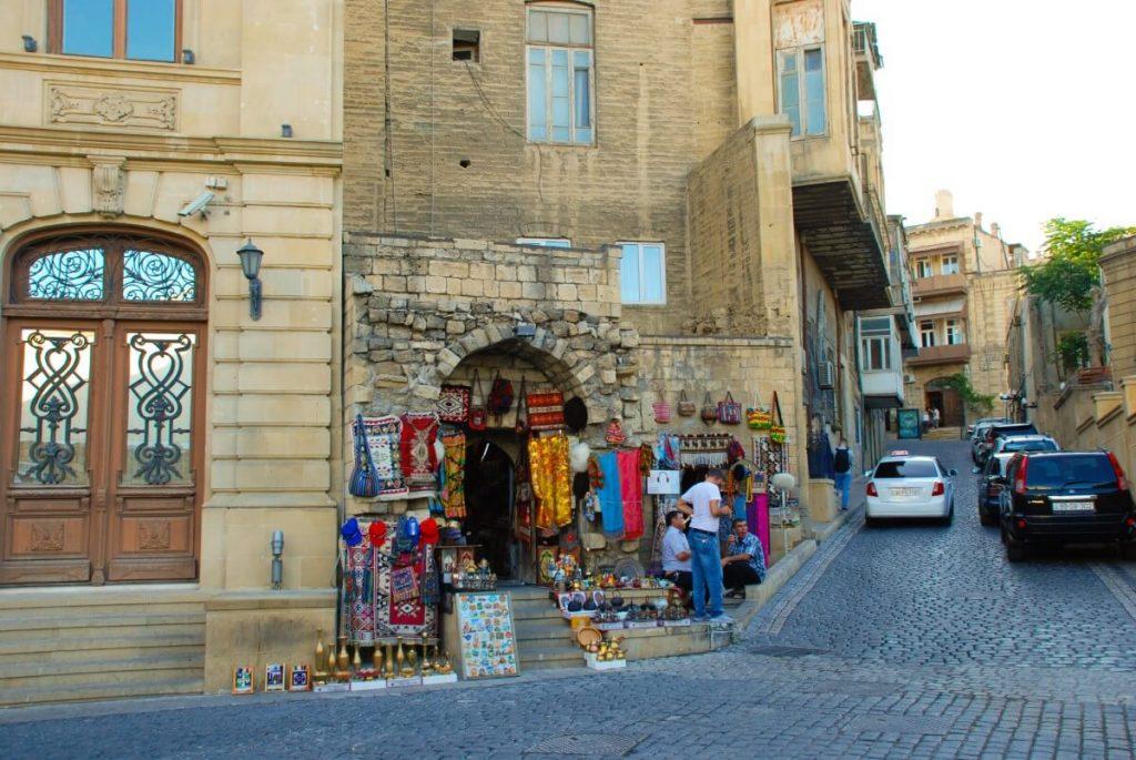 Azerbejdzan Baku stragany pamiatki zakupy