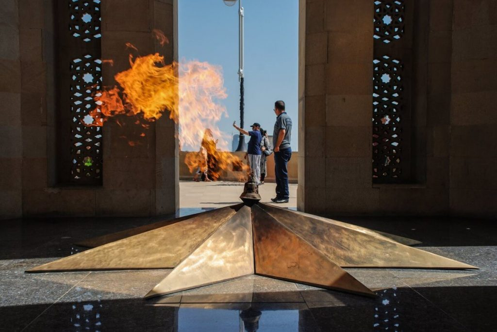 Azerbejdżan – praktyczne porady. Co zabrać, co zobaczyć? Ceny, dokumenty, dojazd, ciekawostki