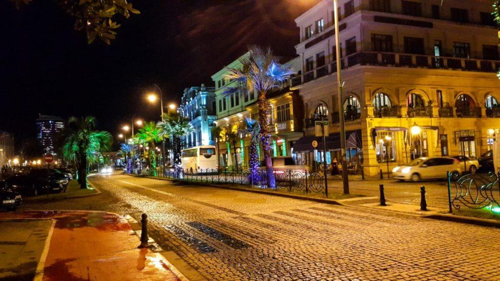 Batumi centrum miasta wieczor