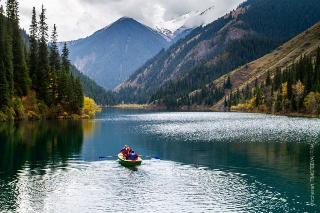 Kazachstan – poradnik praktyczny. Dokumenty, zdrowie, kultura, ciekawostki, atrakcje