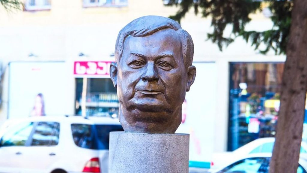 Lech Kaczynski pomnik Tbilisi