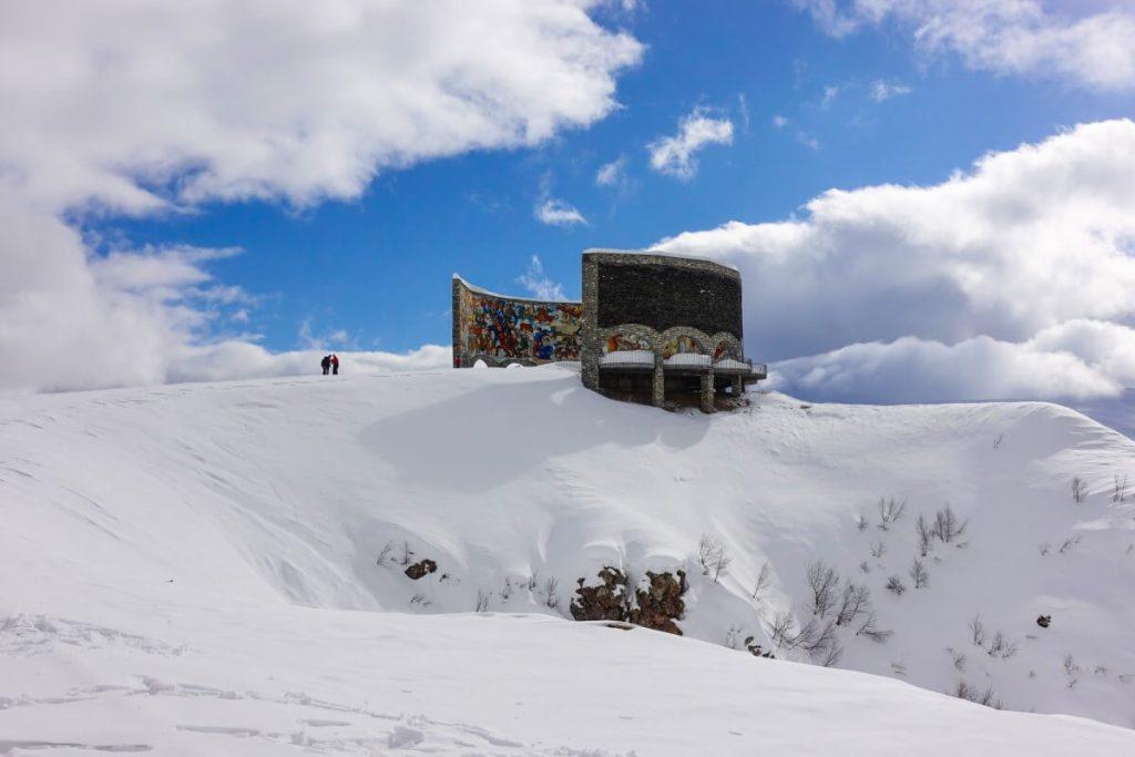 narty w gruzji gudauri raj dla narciarzy polakogruzin pomnik przyjaźni arka panorama