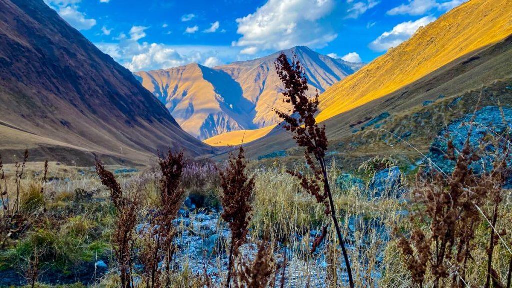 Dolina Sno Masyw Chaukhi Wysoki Kaukaz