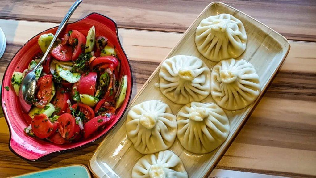Przepis na chinkali – prawdziwie domowy smak Gruzji