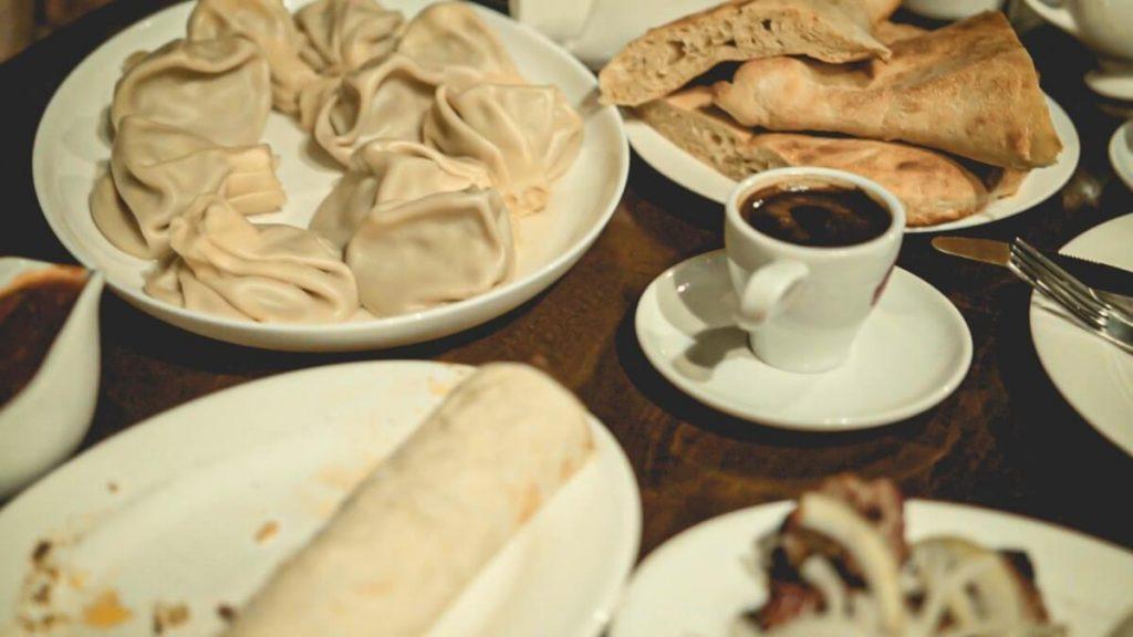 Przepis na chinkali – prawdziwie domowy smak Gruzji kuchnia