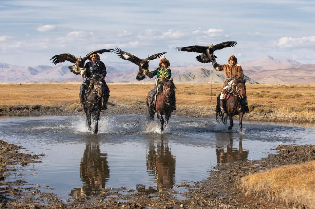 mongolia polowanie z orłami