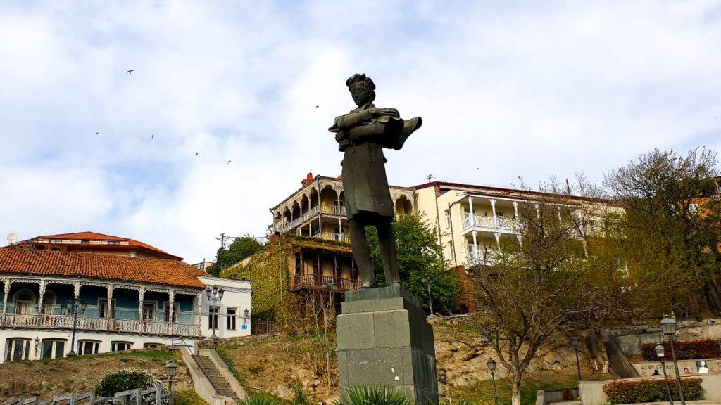 Pomnik Nikoloz Barataszwili Tbilisi