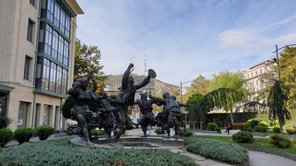 Pomniki Tbilisi Gruzja zakleta w rzezbach