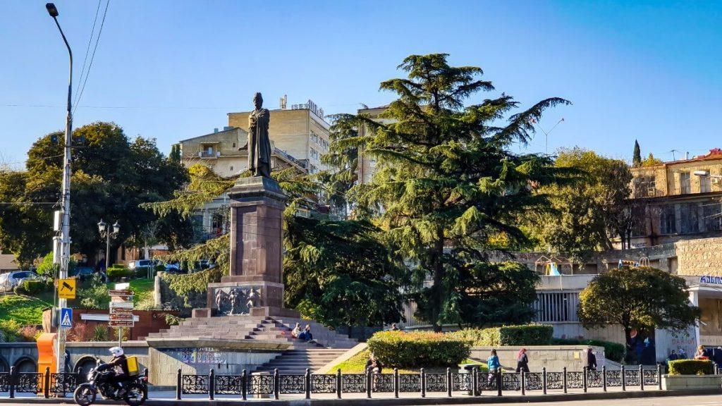 Pomnik Shota Rustaveli Tbilisi