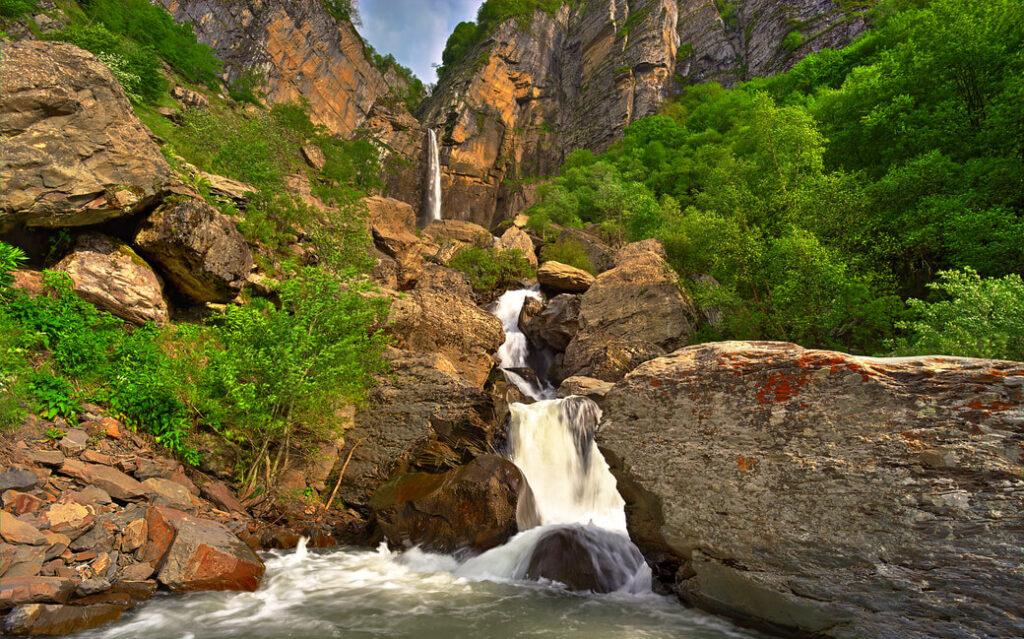 Wodospad Muchung (54 m) w Gabala