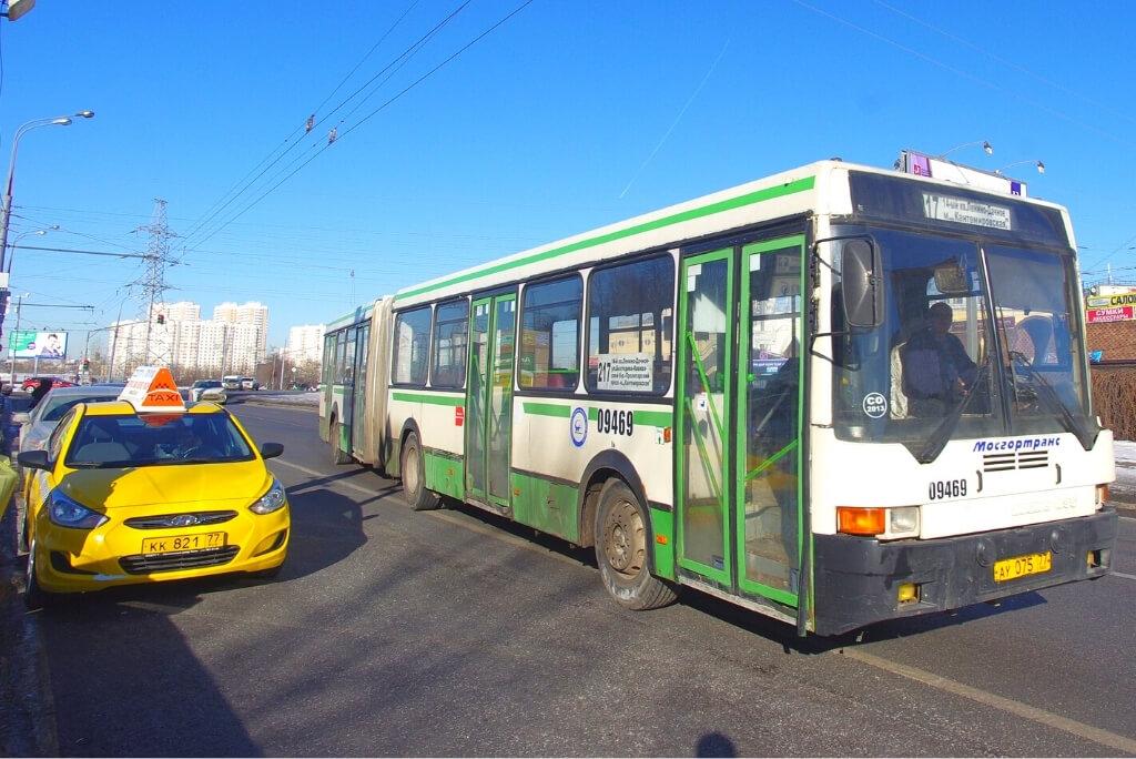 Taksówki i autobusy w Moskwie, Rosja